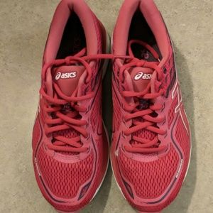 Hot pink ASICS women's running shoes size 8.